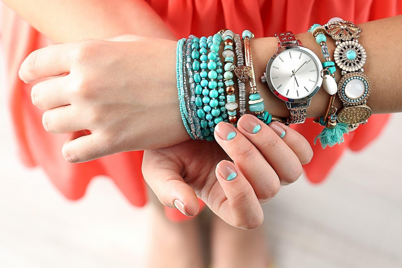 Bracelet Hipanema : comment le faire soi même ?